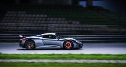 """Sốc khi đua thử bằng xe Porsche """"điện"""""""
